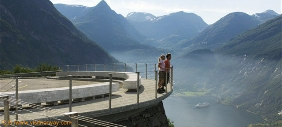 ViewpointGeirangerfjordCred